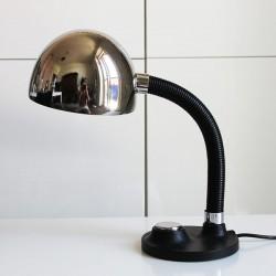 70-tals lampa med metallskärm och gjutjärnsfot från Tyskland. 1.950 kr