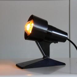 Effektlampa i svart bakelit. En värmelampa från Tyskland som har fått ett nytt utseende